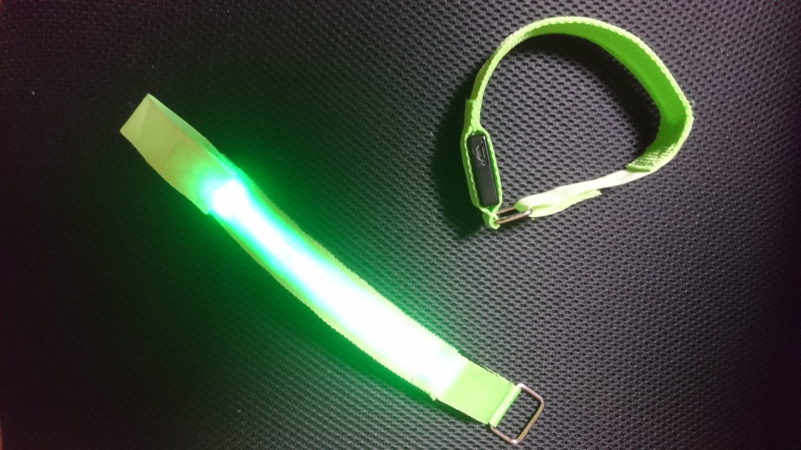 夜間のウォーキングライトは点滅LEDで安全に!!